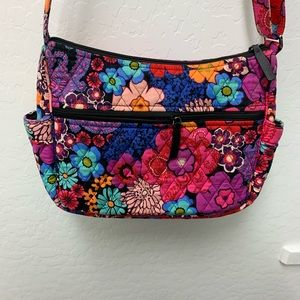 Vera Bradley On The Go Crossbody. GUC